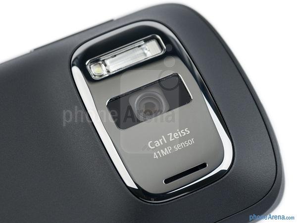Nokia-808-PureView-Review-13-jpg