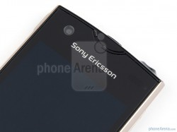 Sony-Ericsson-Xperia-ray-Review-Design-14