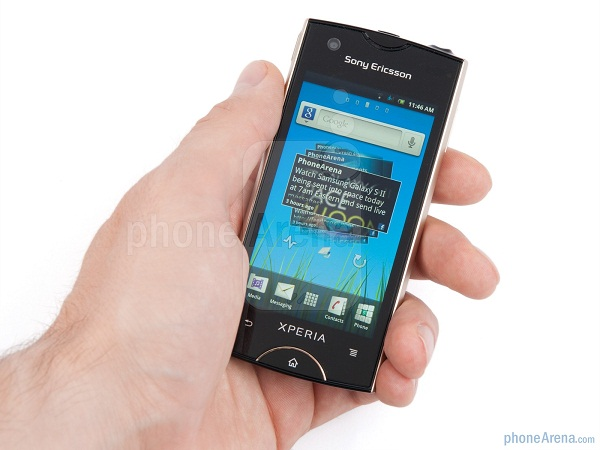 Sony-Ericsson-Xperia-ray-Review-Design-09